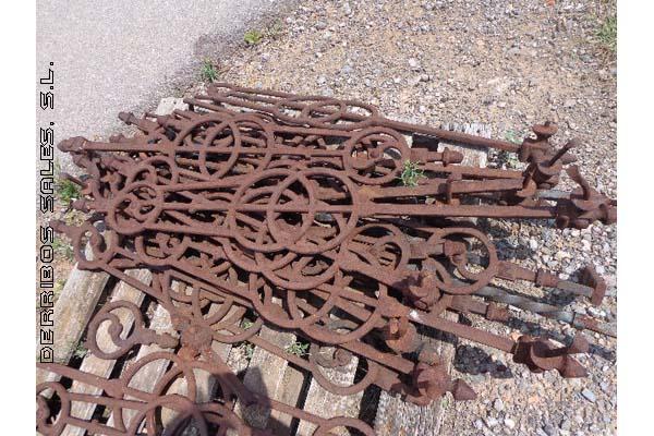 Barrotes de hierro fundido derribos sales - Pilares de hierro ...