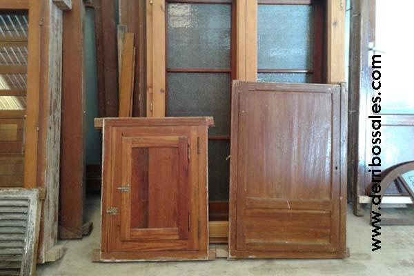 Ventanas de madera derribos sales for Restaurar puertas de madera interior
