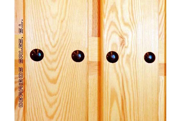 puerta de madera maciza, de calle. nueva