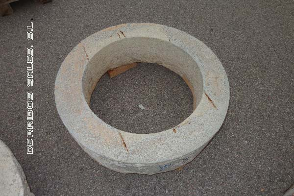 antiguedades-brocal-pozo-pequeno-3