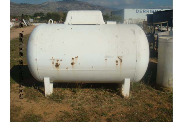 material-derribo-deposito-gas
