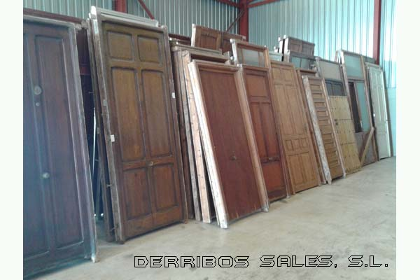 material de madera de segunda mano