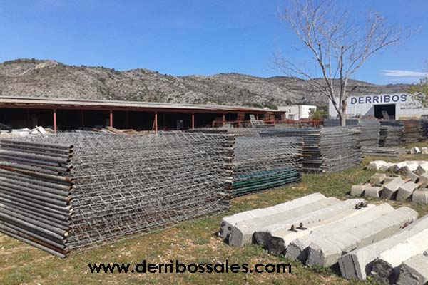 Vallas de obra, de segunda mano, de 3 y 3,5 metros de largo. Las vallas de obra son ideales para cercados, para puertas,...