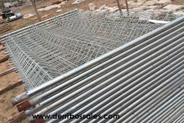 Vallas de obra derribos sales Puertas metalicas usadas