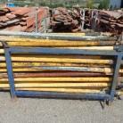 Puntales de obra. Los puntales miden de 1,70 a 2 metros cerrados y de 3,50 metros abiertos.