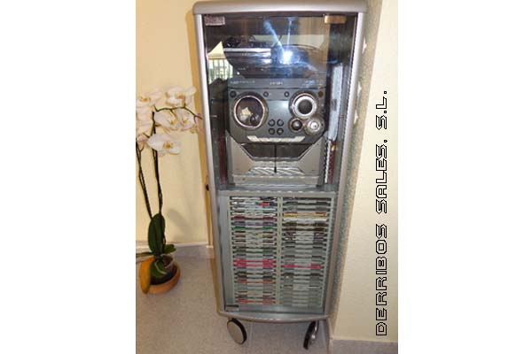 mueble para reproductor y almacenamiento de musica en todos los formatos.