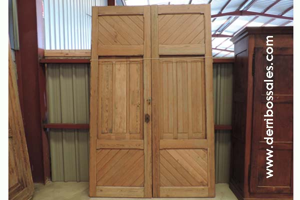 puertas macizas de madera antiguas