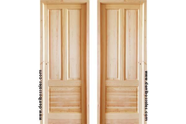Puerta modelo TRES paneles. Puerta de madera maciza. Con hoja de 3,5 cm. de grosor. Marco directo incluído. Abisagrada. Puerta de madera maciza a doble cara. Medidas: 210 x 82 cm.