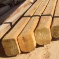 madera de mobila vieja en Derribos Sales, Castellón.