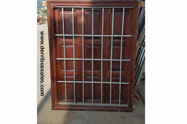 Ventana con reja 148 x 113 derribos sales for Puertas antiguas de derribo