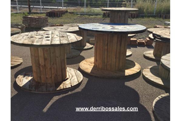 Bobinas de madera. Ideales como mesas tanto de interior como de exterior. Diametro desde 80 cm hasta 180 cm.
