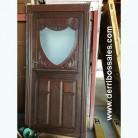 Puerta de madera maciza con cristal. Apertura a derecha. Ideal para restaurante, bodega,...