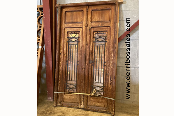 porton de madera con reja de 247 x 135