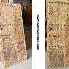 Puerta antigua de madera maciza. Puerta con clavos. Medidas: 262 x 75 cm. 3 cm. de grosor.