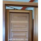 Balconera de madera de Iroko. Puerta balconera europea y oscilobatiente. Balconera en color natural. Medidas: 203 x 128 cm.
